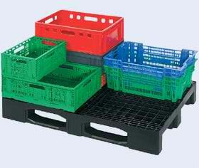 Used plastic pallets with crates
