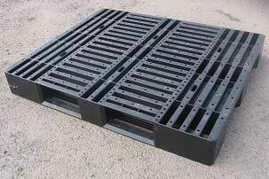 Medium duty stackable ISO export plastic pallet