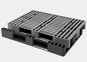 Single-piece medium duty Euro plastic pallet with 3 skids