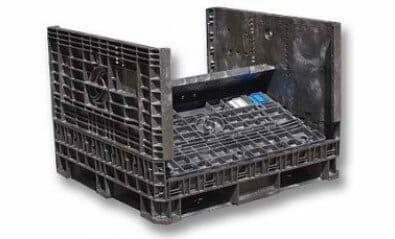 Folding plastic bulk container