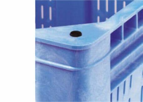 Giant Plastic Pallet Box B2G1311V Corner